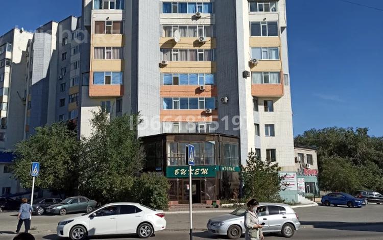 3-комнатная квартира, 103 м², 10/10 этаж, проспект Алии Молдагуловой 11Г за 13 млн 〒 в Актобе