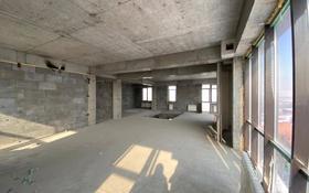 5-комнатная квартира, 203 м², 9/10 этаж, Кабанбай Батыра 152/2 за ~ 44.3 млн 〒 в Усть-Каменогорске
