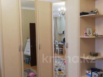 3-комнатная квартира, 130 м², 6/12 этаж поквартально, Керей Жаныбек хандар за 200 000 〒 в Нур-Султане (Астана), Есильский р-н — фото 5