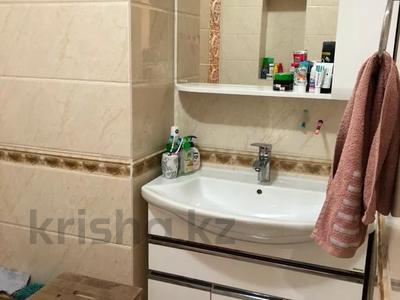 3-комнатная квартира, 130 м², 6/12 этаж поквартально, Керей Жаныбек хандар за 200 000 〒 в Нур-Султане (Астана), Есильский р-н — фото 9