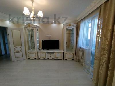 3-комнатная квартира, 92 м², 3/16 этаж помесячно, Абая 61/2 за 250 000 〒 в Караганде, Казыбек би р-н