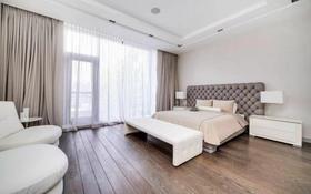 7-комнатная квартира, 350 м² помесячно, Самал-3 24/1 за 1.9 млн 〒 в Алматы