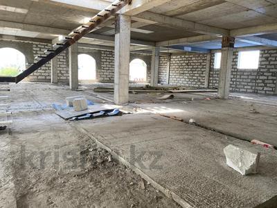 Здание, площадью 5100 м², мкр Аксай-3Б, Мкр Аксай-3Б 38А за 350 млн 〒 в Алматы, Ауэзовский р-н — фото 2