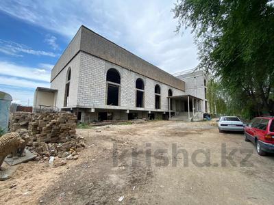 Здание, площадью 5100 м², мкр Аксай-3Б, Мкр Аксай-3Б 38А за 350 млн 〒 в Алматы, Ауэзовский р-н