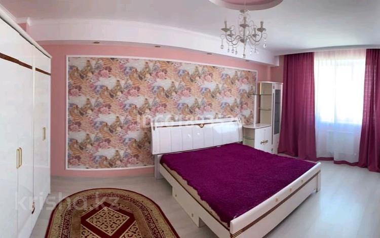 2-комнатная квартира, 75 м², 7/9 этаж посуточно, 14-й мкр 59 за 13 000 〒 в Актау, 14-й мкр