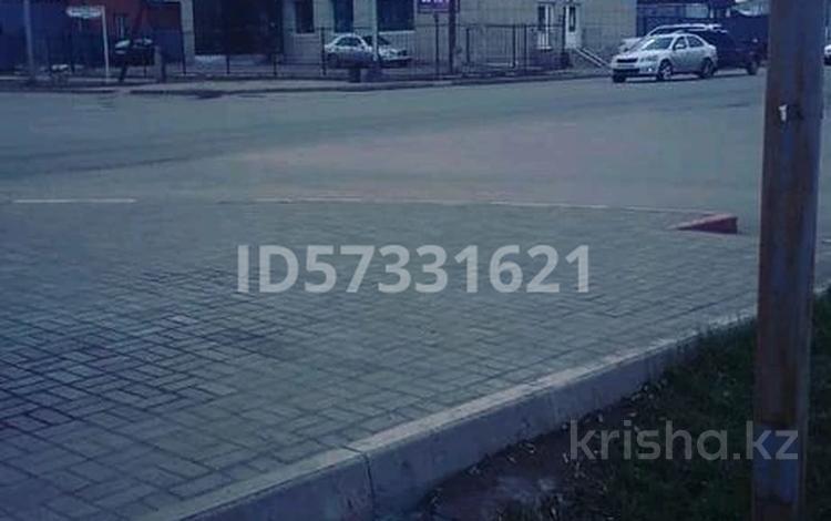 Магазин площадью 100 м², Валиханова 80 — Сатпаева за 4 000 〒 в Кокшетау