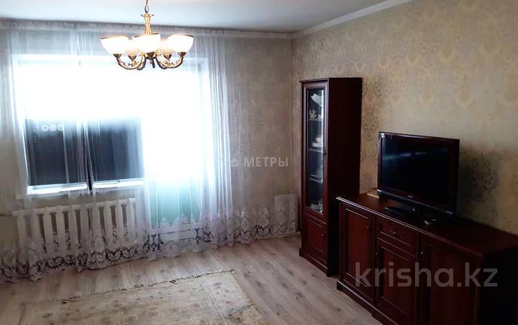 3-комнатная квартира, 74 м², 8/10 этаж, Валиханова 100 за 19.5 млн 〒 в Семее