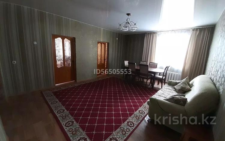 4-комнатный дом, 140 м², 10 сот., улица Шмакова за 21 млн 〒 в Усть-Каменогорске