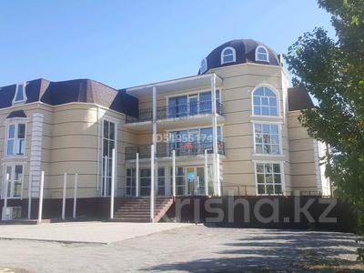 Здание, площадью 1450 м², Красина 49 за 275 млн 〒 в Актобе, мкр 12 — фото 3