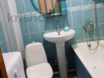 1-комнатная квартира, 32 м², 2/5 этаж посуточно, Уркумбаева 1а за 5 000 〒 в Шымкенте — фото 4
