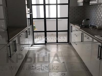 3-комнатная квартира, 140 м², 1/4 этаж, Иляева 113/4 за 55 млн 〒 в Шымкенте, Аль-Фарабийский р-н — фото 28