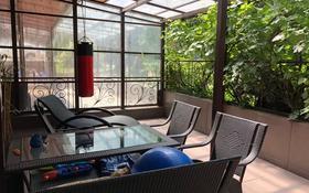 4-комнатный дом, 250 м², 2 сот., мкр Мирас, Аскарова — Мусабаева за 106.6 млн 〒 в Алматы, Бостандыкский р-н