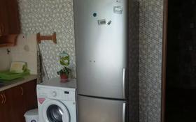 1-комнатная квартира, 37.7 м², 1 этаж посуточно, Александра Кравцова 6 за 6 000 〒 в Нур-Султане (Астана), р-н Байконур