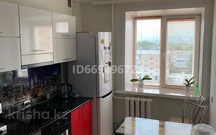 3-комнатная квартира, 62 м², 8/9 этаж, 5 микрорайон 10 за 14.9 млн 〒 в Риддере