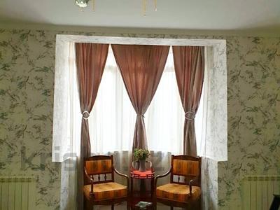 4-комнатный дом помесячно, 220 м², 12 сот., мкр Хан Тенгри, Аскарова Асанбая 60 за 750 000 〒 в Алматы, Бостандыкский р-н — фото 21