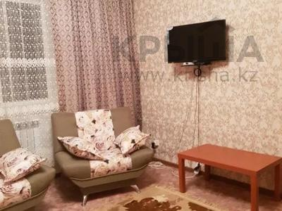 2-комнатная квартира, 70 м², 1/5 этаж посуточно, Дружба народов 4/6 за 13 000 〒 в Аксае — фото 2