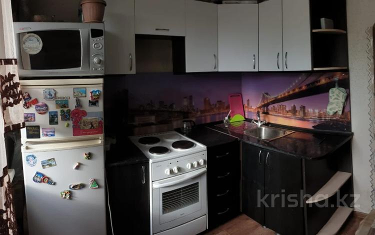 2-комнатная квартира, 45 м², 3/5 этаж, Бурова 41 за 13 млн 〒 в Усть-Каменогорске
