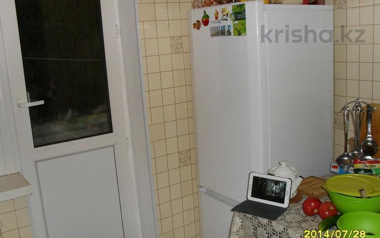 1-комнатная квартира, 36 м², 2/5 этаж, Братьев Жубановых 275 за 7 млн 〒 в Актобе, мкр 8