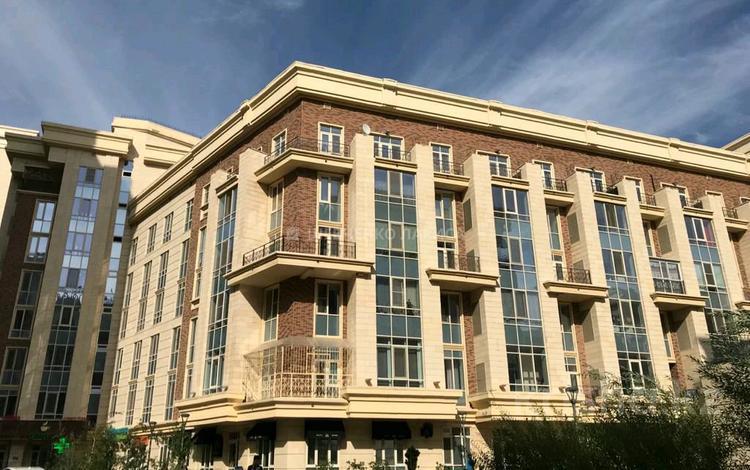 4-комнатная квартира, 180 м², 6/8 этаж, Кабанбай батыра 7 за 81.5 млн 〒 в Нур-Султане (Астане), Есильский р-н
