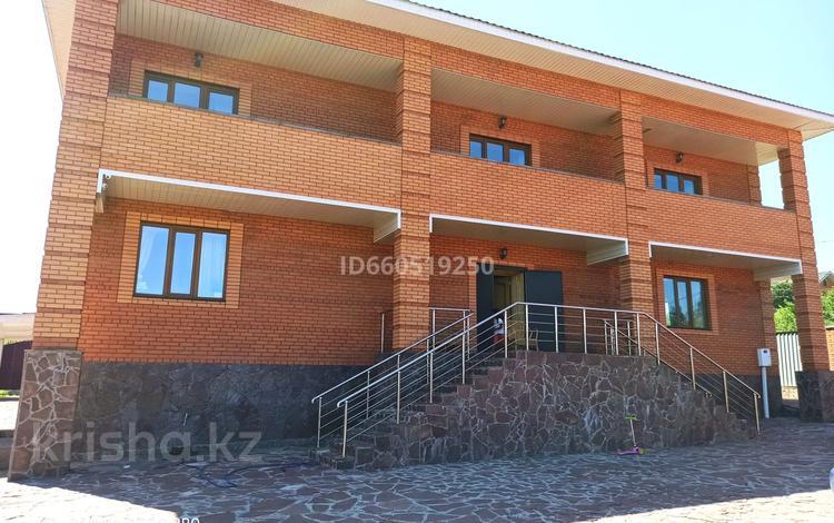 5-комнатный дом посуточно, 600 м², 30 сот., Луначарского 3 за 95 000 〒 в Бурабае