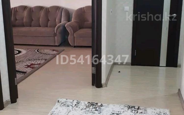 2-комнатная квартира, 82 м², 6/8 этаж помесячно, 15-й мкр 62 за 170 000 〒 в Актау, 15-й мкр