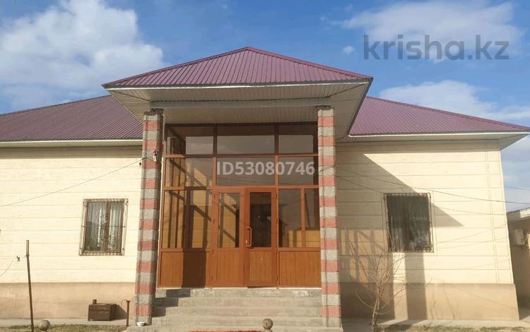 10-комнатный дом, 225 м², 10 сот., Абилмамбет 11 за 42 млн 〒 в Туркестане