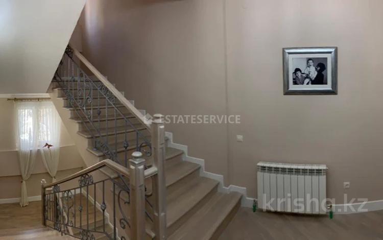 5-комнатный дом, 400 м², 4.5 сот., Достык 357 за ~ 403.8 млн 〒 в Алматы, Медеуский р-н