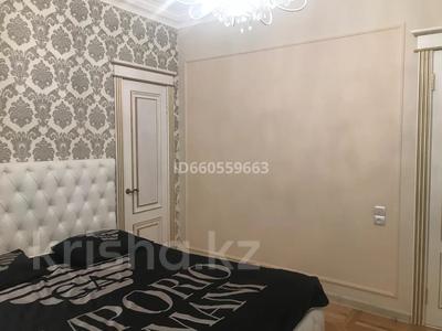 4-комнатная квартира, 105 м², 4/5 этаж помесячно, Бухар Жирау 38а за 350 000 〒 в Караганде, Казыбек би р-н — фото 8