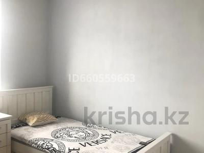 4-комнатная квартира, 105 м², 4/5 этаж помесячно, Бухар Жирау 38а за 350 000 〒 в Караганде, Казыбек би р-н — фото 11