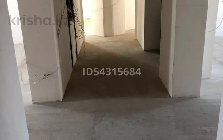 5-комнатная квартира, 206.7 м², 5/6 этаж, Воинов Интернационалистов 1/1 за 32 млн 〒 в Костанае