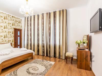 3-комнатная квартира, 110 м², 16/18 этаж посуточно, Навои 208 — Торайгырова за 20 000 〒 в Алматы — фото 6