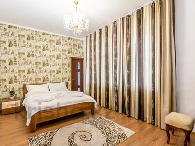 3-комнатная квартира, 110 м², 16/18 этаж посуточно, Навои 208 — Торайгырова за 20 000 〒 в Алматы — фото 7