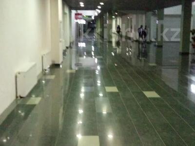 4-комнатная квартира, 180 м², 30/32 этаж посуточно, Достык 5/1 — Сауран за 25 500 〒 в Нур-Султане (Астана), Есиль р-н — фото 9