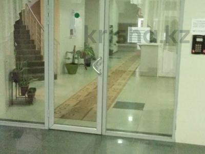 4-комнатная квартира, 180 м², 30/32 этаж посуточно, Достык 5/1 — Сауран за 25 500 〒 в Нур-Султане (Астана), Есиль р-н — фото 11