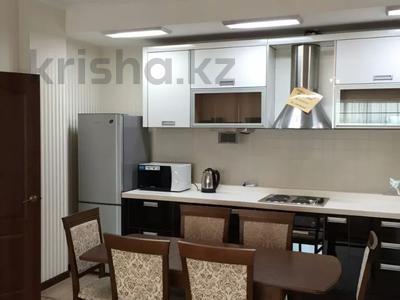 4-комнатная квартира, 180 м², 30/32 этаж посуточно, Достык 5/1 — Сауран за 25 500 〒 в Нур-Султане (Астана), Есиль р-н — фото 2