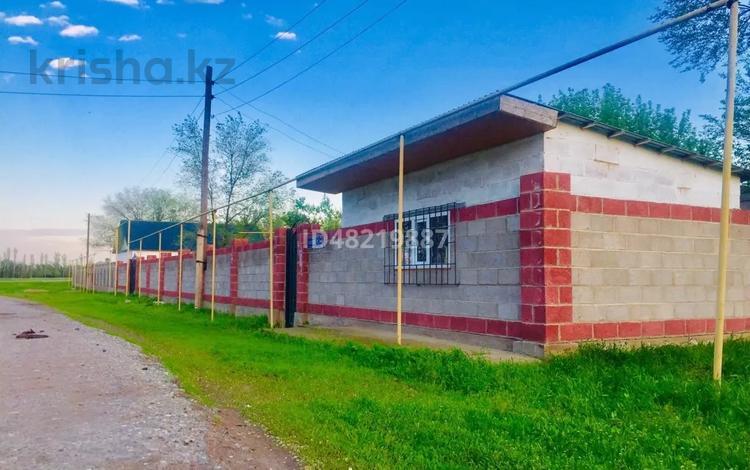 3-комнатный дом, 50 м², 20 сот., Костоган 1 — Мырзахмет за 7 млн 〒 в Мерке