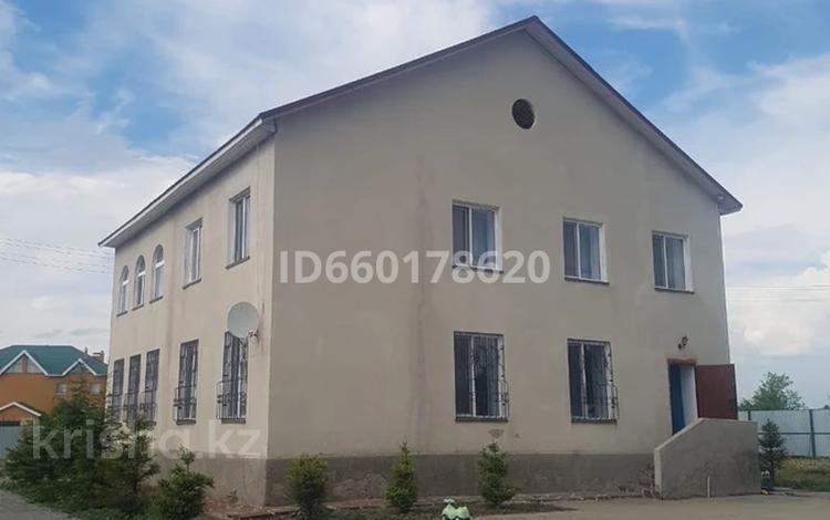 6-комнатный дом, 215 м², 20 сот., Мкр. Шанырак за 60 млн 〒 в Бурабае