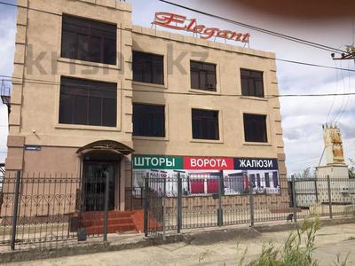 Офис площадью 600 м², Досмухамедова (бывш. Московская) 119а — Тайманова за 2 500 〒 в Атырау