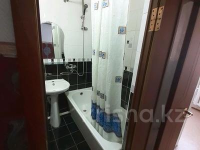 1-комнатная квартира, 40 м² посуточно, Азаттык 46а за 6 000 〒 в Атырау — фото 2