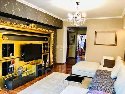 3-комнатная квартира, 80 м², 5/5 этаж помесячно, проспект Назарбаева 247А — проспект Аль-Фараби за 230 000 〒 в Алматы, Медеуский р-н