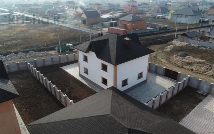 8-комнатный дом, 370.1 м², 7.38 сот., 1 Мкр 55 за 49 млн 〒 в Жибек Жолы