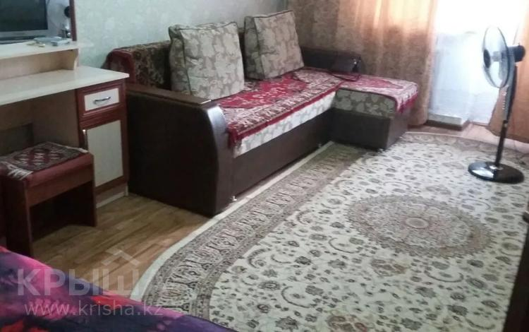 1-комнатная квартира, 38 м², 2/4 этаж посуточно, Ниеткалиева — Койгельды за 7 000 〒 в Таразе
