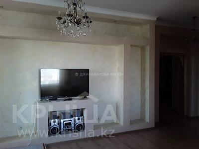 2-комнатная квартира, 81 м², 6/18 этаж, Туркестан 2 за 36 млн 〒 в Нур-Султане (Астана), Есиль р-н