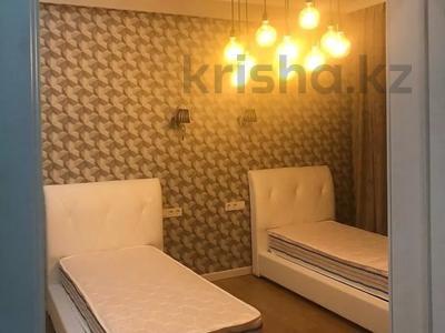 3-комнатная квартира, 130 м², 14/21 этаж помесячно, проспект Аль-Фараби 21 за 500 000 〒 в Алматы, Бостандыкский р-н — фото 3