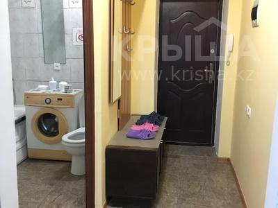 2-комнатная квартира, 55 м², 3 этаж посуточно, Махамбета 127 — Азаттык за 6 000 〒 в Атырау — фото 16