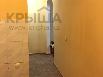2-комнатная квартира, 55 м², 3 этаж посуточно, Махамбета 127 — Азаттык за 6 000 〒 в Атырау — фото 18