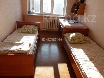 3-комнатная квартира, 60 м², 5/5 этаж, Ак. Бектурова 18 — Урицкого за 12 млн 〒 в Павлодаре — фото 8