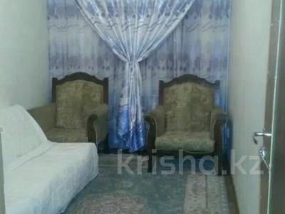 3-комнатная квартира, 80 м², 1/3 этаж посуточно, Аскарова 5 за 8 000 〒 в Шымкенте, Аль-Фарабийский р-н