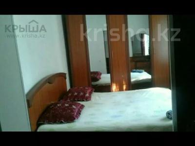 3-комнатная квартира, 80 м², 1/3 этаж посуточно, Аскарова 5 за 8 000 〒 в Шымкенте, Аль-Фарабийский р-н — фото 3