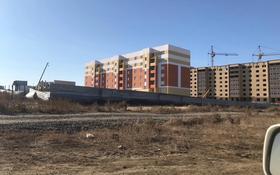 1-комнатная квартира, 48 м², 6/6 этаж, Досмухамедулы 51 г за ~ 6.5 млн 〒 в Актобе, мкр 8